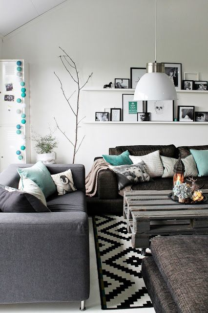 Hues of grey and mint
